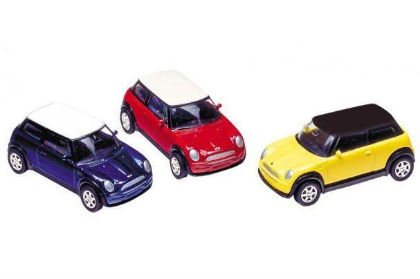 Legetøjsbil fra Goki - Mini Cooper 2001 (1:60)
