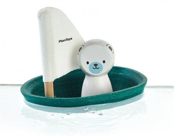 Billede af Badelegetøj fra Plantoys - Isbjørne sejlbåd - Bæredygtigt legetøj