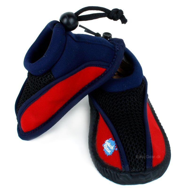 Strandsko fra splash about - splash shoes - rød/navy fra Splash about på babygear.dk