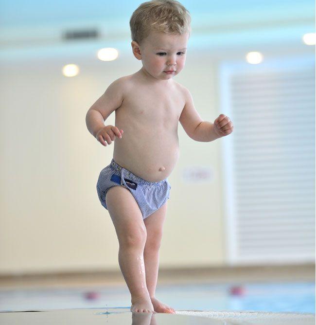 Image of   Baby badebukser fra Konfidence - one size - Mælkedrengestriber