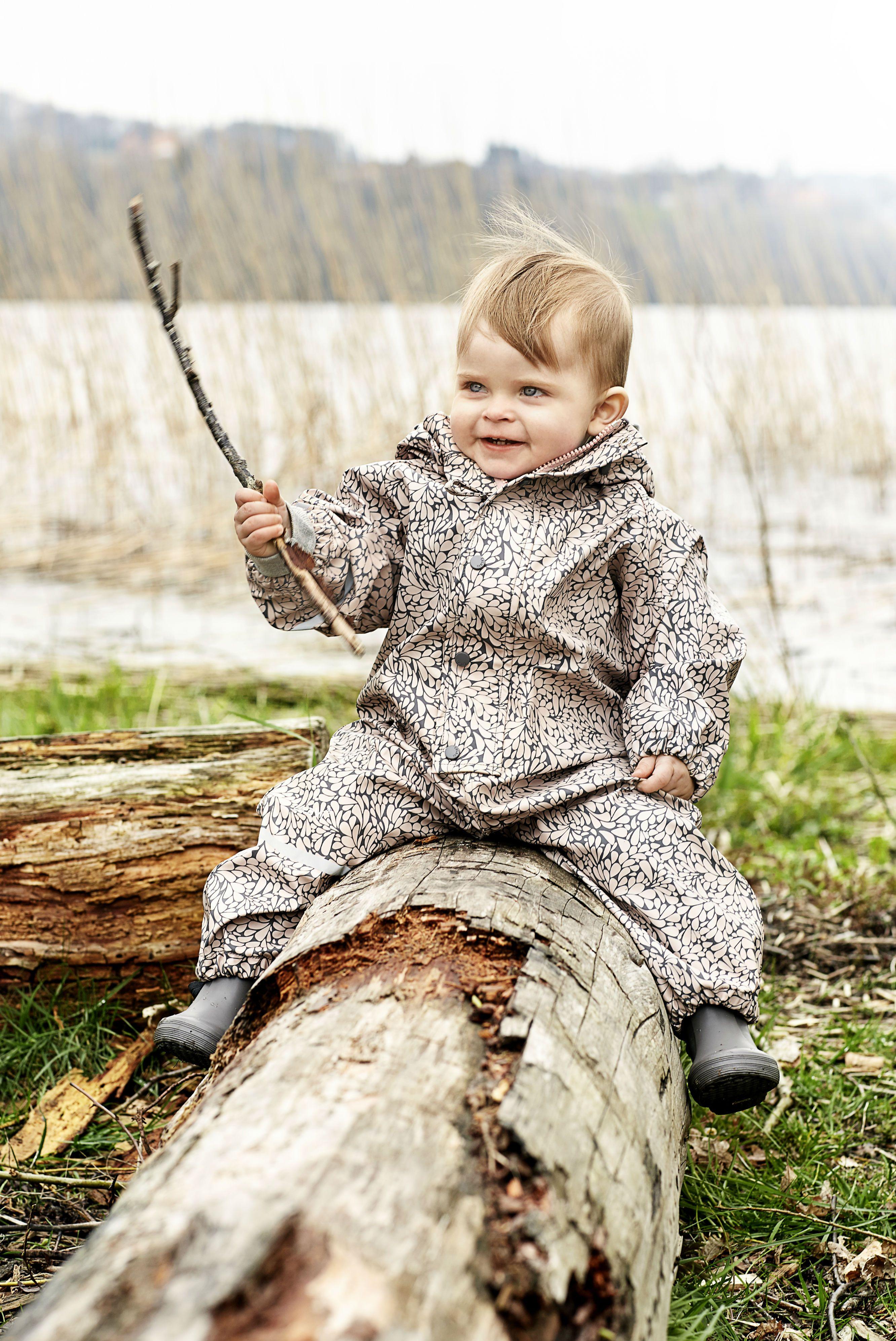 ad1f580fba2 Rainwar Suit fra CeLaVi Polka Dot - Køb PU heldragt til småbørn m.  vandsøjle 5000