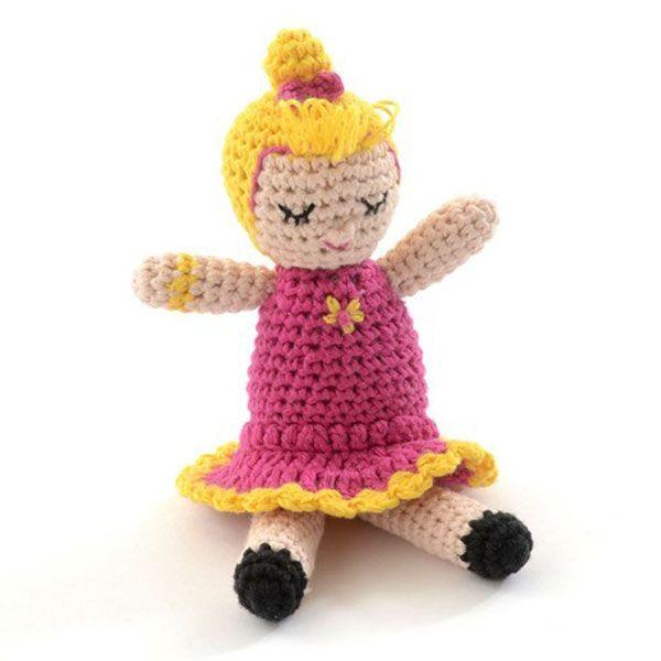 Hæklet rangle dukke fra Smallstuff - Olivia (pink)